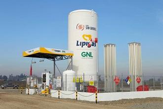 Lipigas inaugura la primera estación de servicio de gas natural licuado (GNL) para camiones en Chile